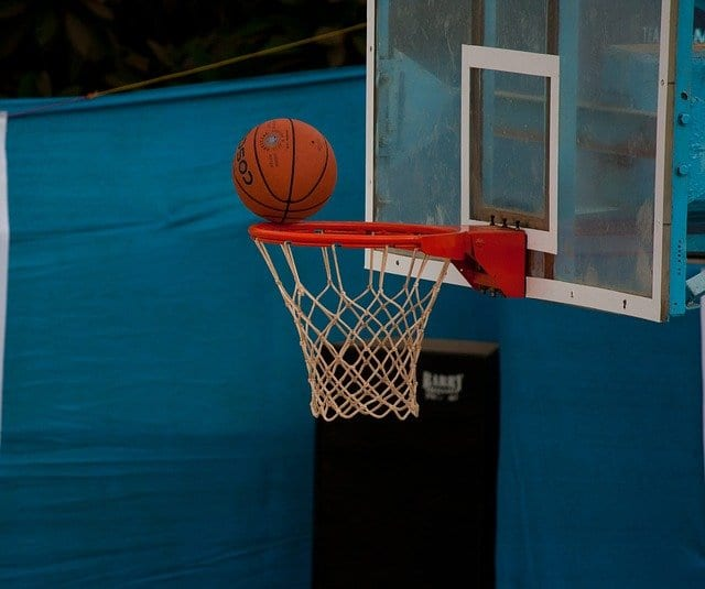 Basketball gegen Rückenschmerzen